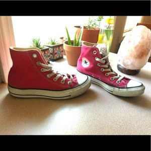 🎀All Star HOT PINK Hightop Converse 🎀